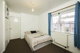 Double Room with access to DLR**BOOK ONLINE NOW**