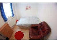 Large Double room at E3