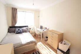 *SHOREDITCHEAP AND THAT IT* STUDENTS/PRO MORE THAN WELCOME DOUBLE ROOM