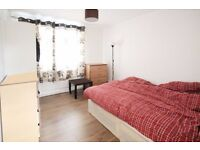 Double room close to Bethnal Green Station***2 Mins walk to station**