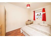 ***BOOK ONLINE NOW**Spacious Room at E6**