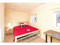 D*Large Double room* all bills included..Don't Let This one Get Away!