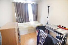 £100#BETHNALGREEN# Xl Room Immediately Available
