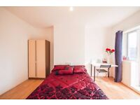 Y DBL ROOM in E1 WITH SHARED LIVING ROOM