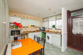 M*CRAZY SUMMER SALES!Affordable room @ ONLY £145!!