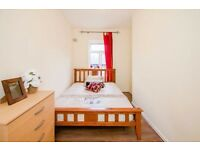 2 Lovely Rooms # Near Liverpool Street