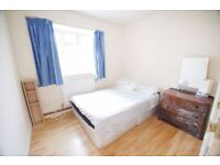YS LOVELY SINGLE ROOM 4 MINS WALK TO STATION!!!