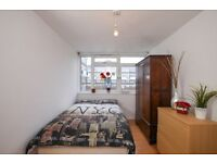 NB* Fantastic Double Room available in a 4 Bedroom Flat*