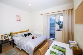 Y LOOKING FOR ROOM AT BETHNAL GREEN??? BOOK NOW AT HALLOWEEN PROMO PRICE