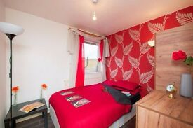 ♥Here you go -2 Mins to Mile End Station♥ £100PP