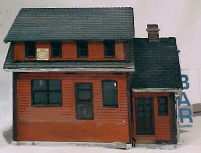 HO Scale Lighted O'MALLEY'S BAR SIGN & Mounted On BUILDING - Model Train Layout