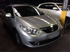 2011 Renault Fluence Sedan left door handle wrecking complete car Salisbury Salisbury Area Preview