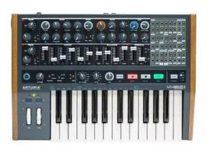 Arturia Minibrute 2 - 25 Key Mono Synthesizer used once
