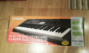 CASIO Electronic Keyboard Excellent Condition