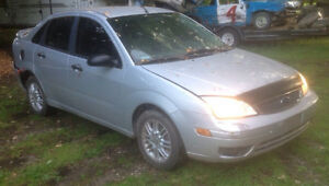 PARTING OUT 2005 Ford Focus ZX4 SE London Ontario image 1
