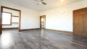 1 Bedroom + Den - Near Court House