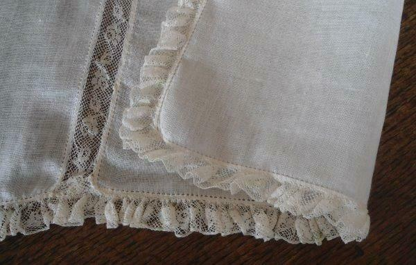 Vintage Pale Ecru Linen Valenciennes Lace Table Runner Dresser Scarf