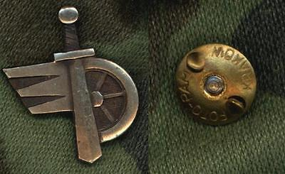 1Pcs Polish Army Collar Badge   Carriage Army Service