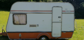 Vintage a-line 380.5 caravan