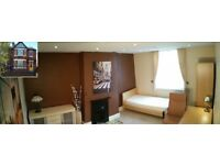 Great double room for rent, close to the park.