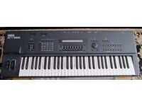 Yamaha SY85 Synth/Keyboard/Workstation incl stand.