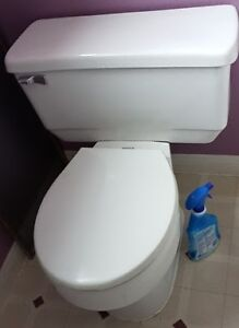 Used american standard toilet in excellent condition