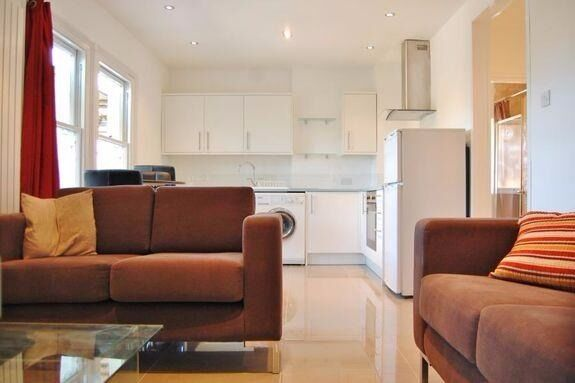 GORGEOUS ONE BEDROOM APARTMENT IN A GREAT LOCATION - WEST HAMPSTEAD NW6