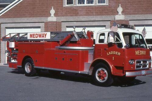 Medway MA Ladder 1 1961 International Maxim 65