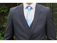 3-Piece checked navy suit