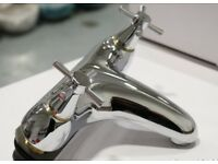 NEW MODERN CROSS HEAD DECK MOUNTED BATH FILLER TAP IN CHROME . IN BOX. RRP £295