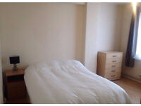 Double Room to Rent - Move in Immediately - Free wifi - Near Stratford Station