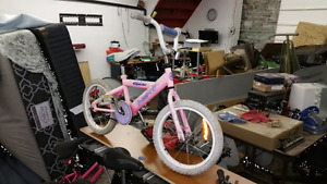 "Girls SUPERCYCLE CHERIE  16"" tires. IN GOOD CONDITIONl"