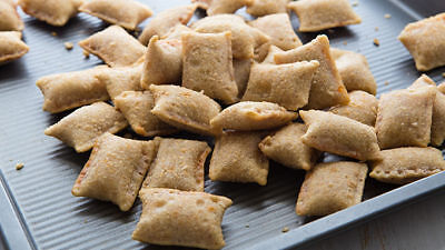 3 CHEESE PIZZA ROLLS FREEZE DRIED * HIKING * CAMPING * SURVIVAL * EMERGENCY