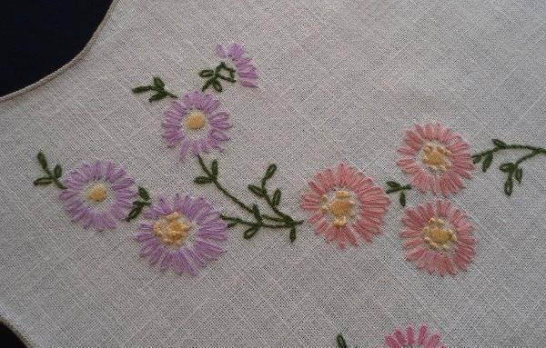 Vintage Linen Table Runner Pink Lilac Lazy Daisy Hand Embroidery 43""