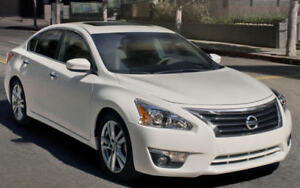 Altima Nissan 2013 perfect condition, almost new
