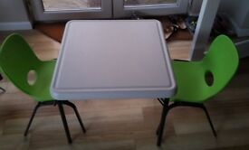 Children's lifetime table & 2 chairs