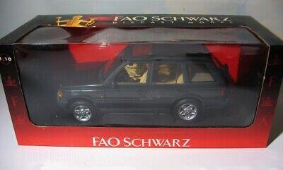 1996 Range Rover 4.6   AutoART 1:18  FAO Schwarz exclusive diecast   Land  Green