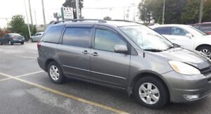 Extra clean 2004 Toyota Sienna LE with Winter Tires