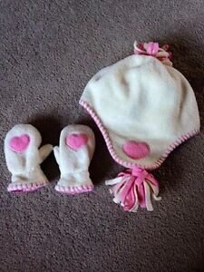 ~BabyGap Hat & Mittens, Toddlers XS/S - $8~