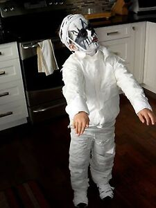 Age 5-6 year old Halloween Costume - Mummy