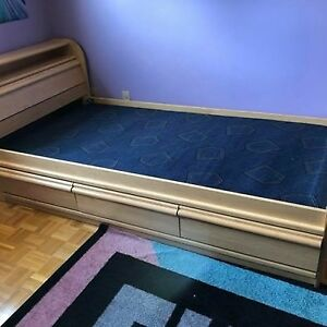 Solid maple double-size bed