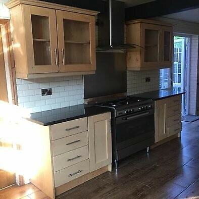Large Kitchen Solid Oak Real Black Granite Worktops Complete With Double Basin Tap