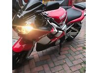 Yamaha R6 Red low miles service & MOT
