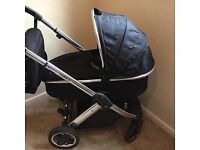 Oyster 2 Travel system. (Very good condition)