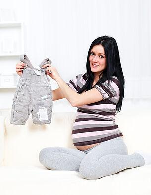 So finden Sie Bekleidungspakete für die Schwangerschaft auf eBay
