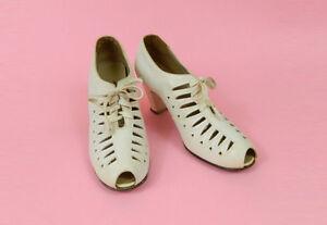 Vintage-1940s-Shoes-Womens-Size-7-Oxford-Heels-Cutout-Bone-White-Heels