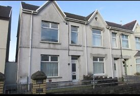 3 bedroom semi detached house to rent in Loughor