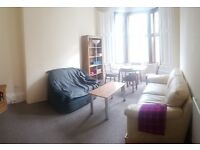 Renovated, spacious 2 bed (first floor) flat near Glasgow University and Botanic Gardens