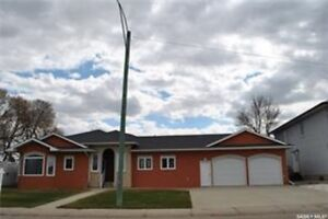 1509 Athabasca Street W, Moose Jaw, SK