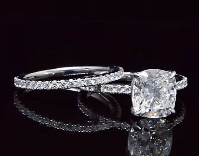 2.05 Ct Cushion Cut Diamond Solitaire with Accents Engagement Ring G VS2 18K GIA 3